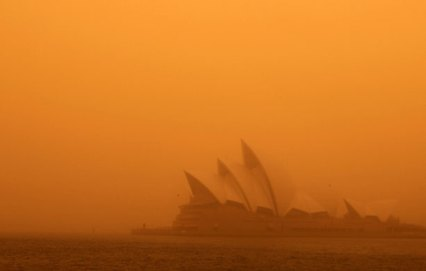 A-dust-storm-blankets-Syd-001